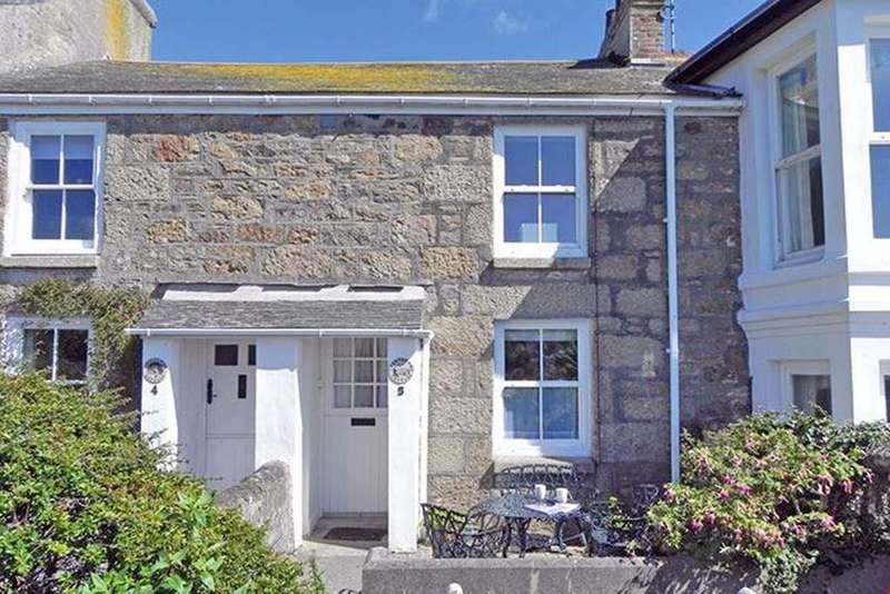 2 Bedrooms Terraced House for sale in Mousehole, Nr. Penzance, West Cornwall, TR19