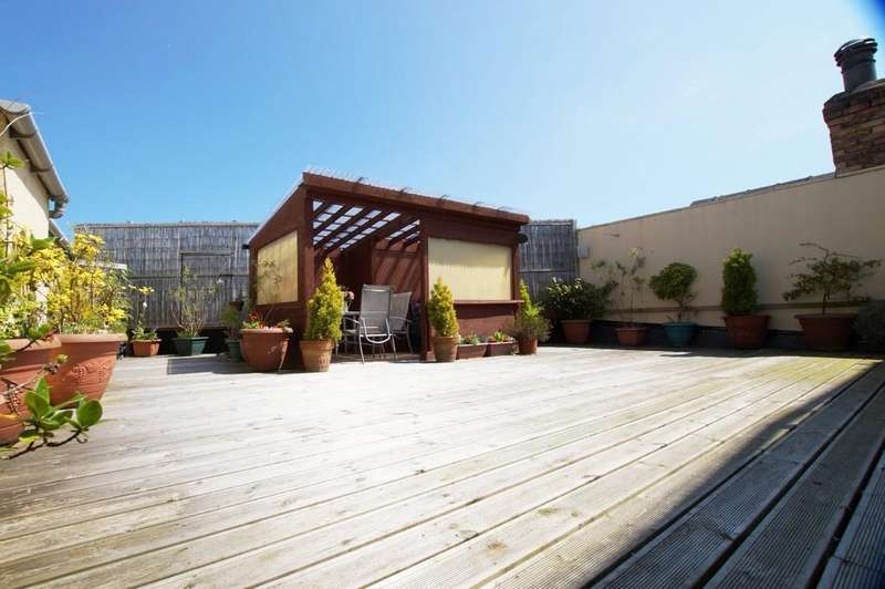 3 Bedrooms Flat for sale in The Loft Albermarle Back Road Scarborough