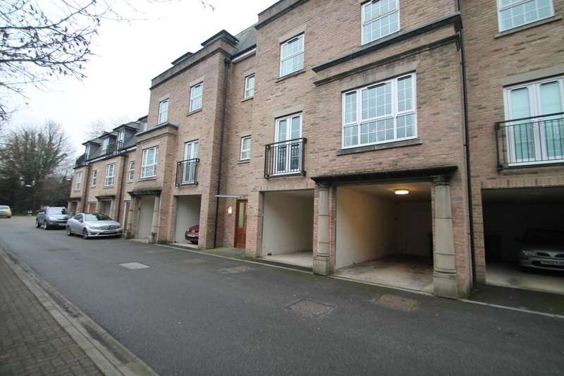 2 Bedrooms Apartment Flat for rent in The Chimes, Bearsted, Kent, ME14 4RE