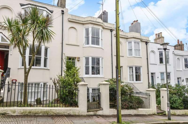 3 Bedrooms Terraced House for sale in Howard Place Brighton BN1