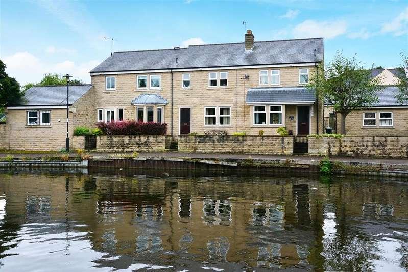 3 Bedrooms Terraced House for sale in The Moorings, Apperley bridge