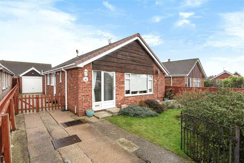 3 Bedrooms Detached Bungalow for sale in Waldorf Road, Cleethorpes, DN35