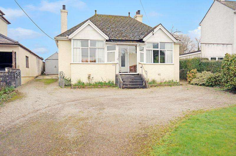 2 Bedrooms Detached Bungalow for sale in Callington, Cornwall