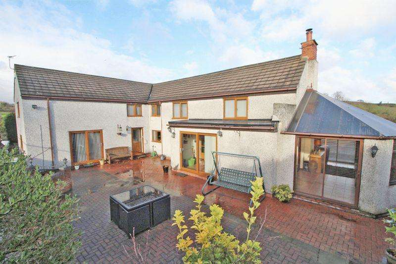 5 Bedrooms Detached House for sale in Pentre Fron Road, Wrexham