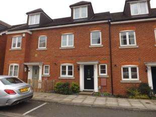 3 Bedrooms Terraced House for sale in Silver Streak Way, Rochester, Kent