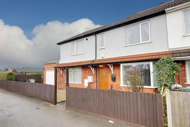 3 Bedrooms Semi Detached House for sale in Regent Road, Mablethorpe, Lincolnshire