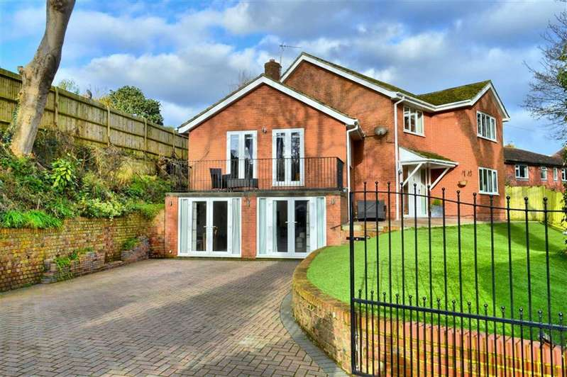 4 Bedrooms Detached House for sale in Western Road, Newhaven, East Sussex
