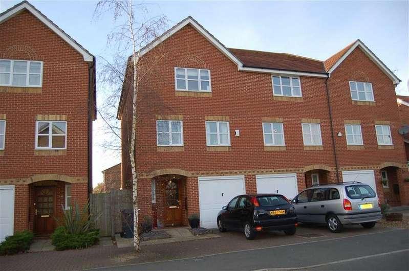 3 Bedrooms Semi Detached House for sale in Elliotts Way, Caversham, Caversham Reading