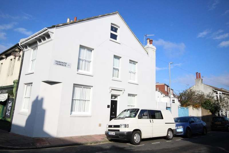 3 Bedrooms Semi Detached House for sale in Albion Hill, Brighton BN2