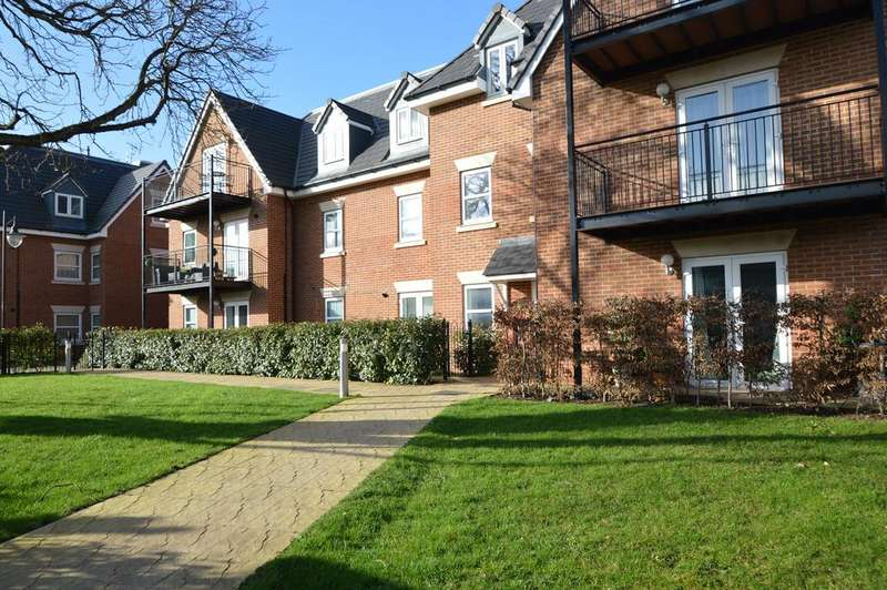 1 Bedroom Ground Flat for sale in Beech House, Moselesey Road, HERSHAM KT12