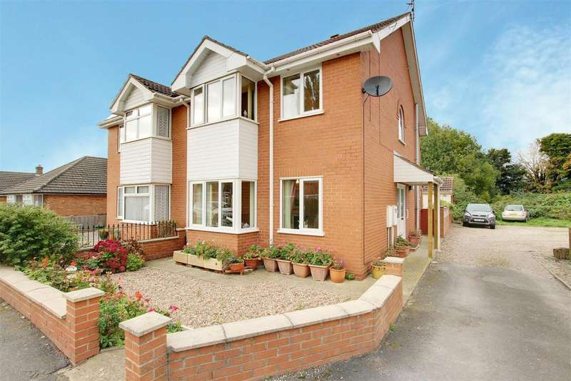 3 Bedrooms Semi Detached House for sale in Finsbury Street, Alford
