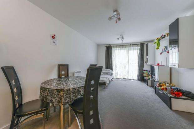 2 Bedrooms Flat for sale in Moyle House, Little Brights Road, Belvedere, DA17