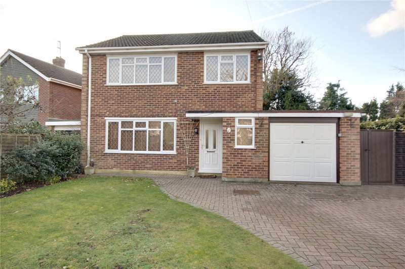 3 Bedrooms Detached House for sale in Amberley Drive, Woodham, Surrey, KT15