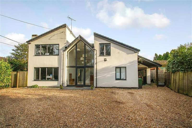 5 Bedrooms Detached House for sale in Passfield Common, Liphook, Hampshire, GU30