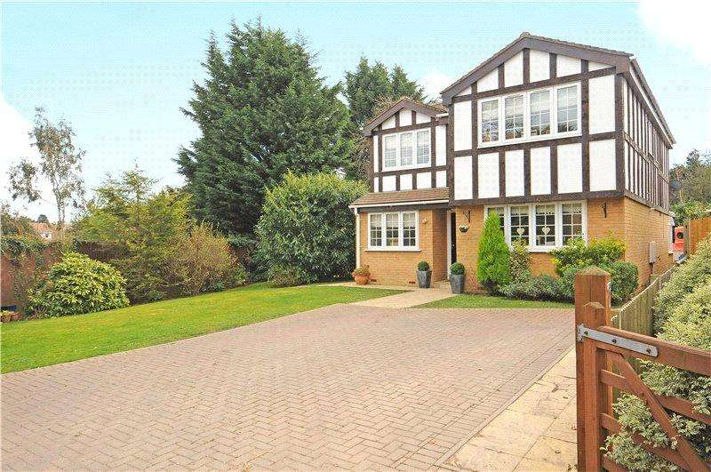 4 Bedrooms Detached House for sale in Brudenell, Windsor, Berkshire, SL4