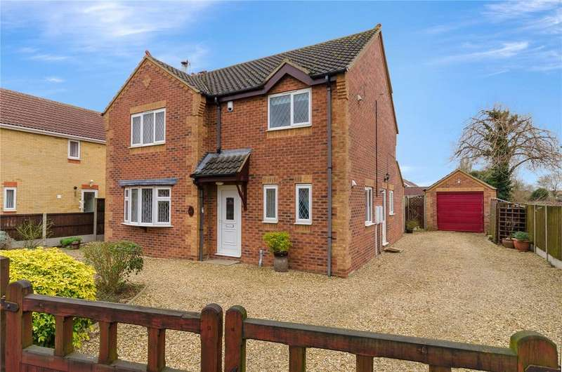 3 Bedrooms Detached House for sale in Lincoln Road, Ruskington, Sleaford, Lincolnshire, NG34