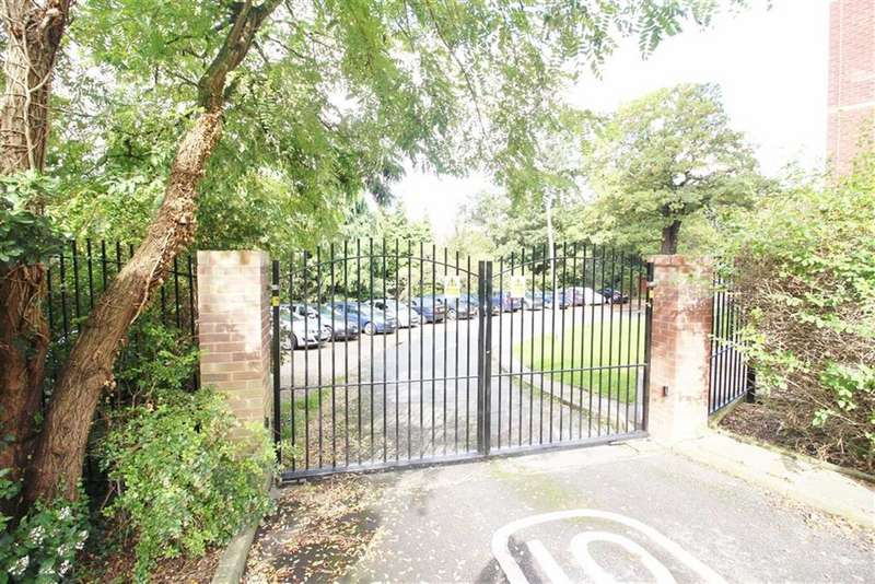2 Bedrooms Flat for sale in Blake House, Porchester Mead, Beckenham, BR3