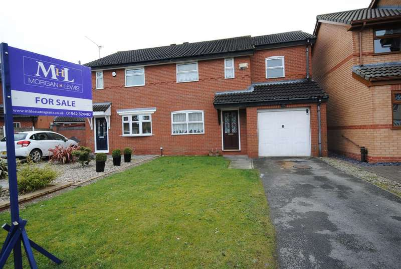 3 Bedrooms Semi Detached House for sale in The Coverts, Springfield, Wigan