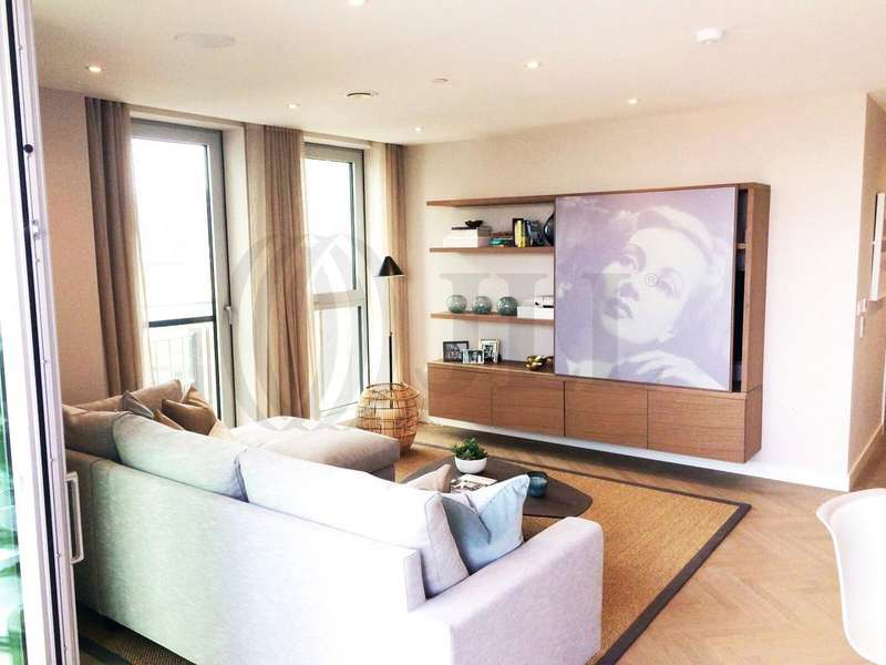 2 Bedrooms Flat for sale in Two Fifty One, Southwark Bridge Road, London, SE1