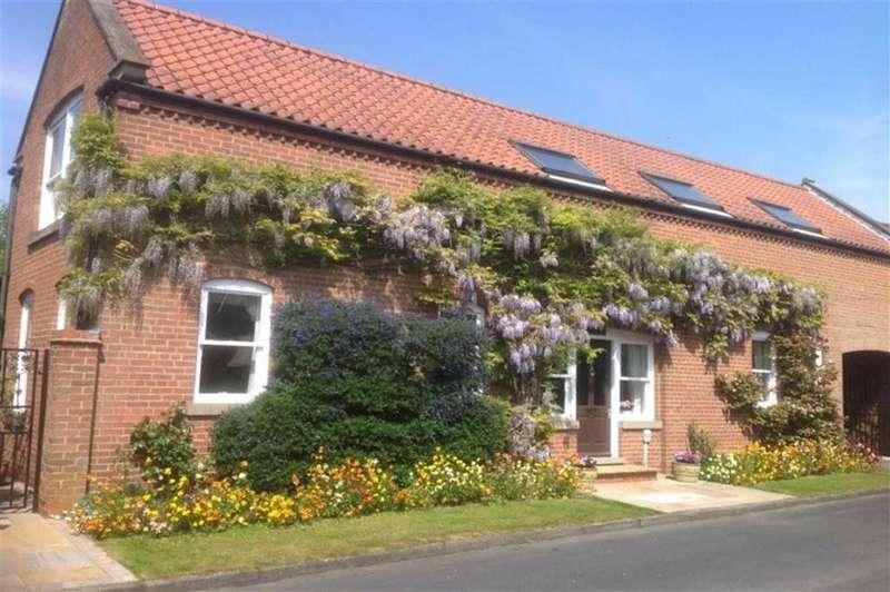 3 Bedrooms Detached House for sale in Beckside, Welton, Welton, HU15
