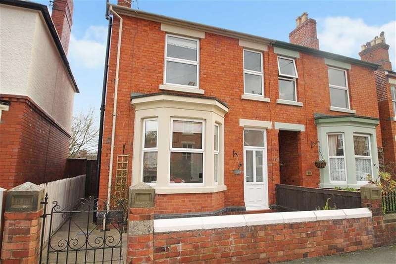3 Bedrooms Semi Detached House for sale in Park Avenue, Oswestry