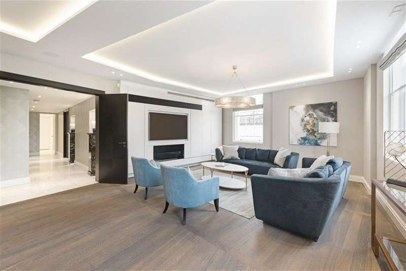 3 Bedrooms Flat for rent in Park Crescent, Marylebone, London, W1B