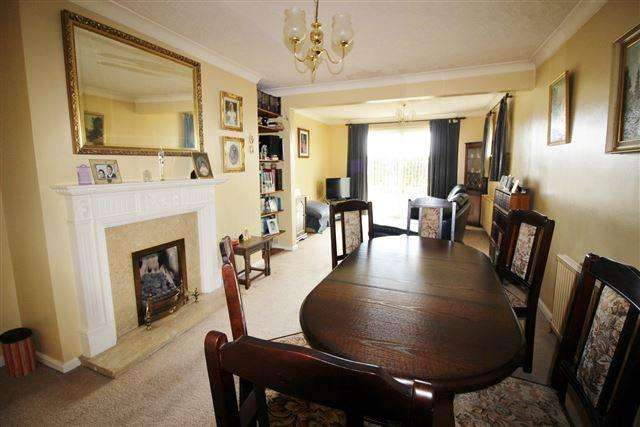 3 Bedrooms Bungalow for sale in Cherry Tree Road, Wales, Sheffield , S26 5LL