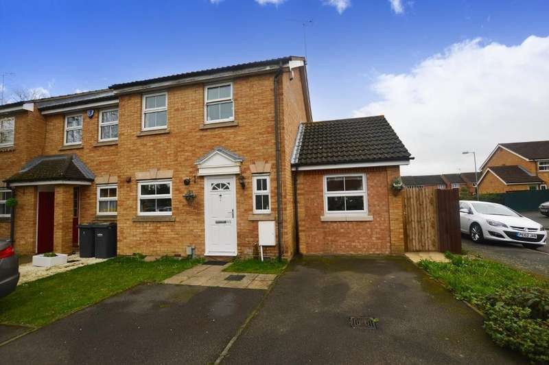 3 Bedrooms Semi Detached House for rent in Villiers Close, Luton, Bedfordshire, LU4 9FR