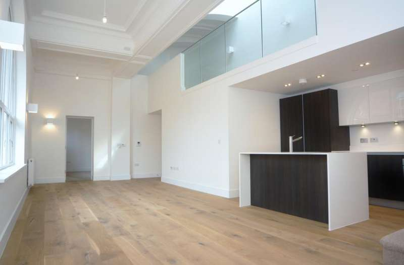 2 Bedrooms Flat for rent in Prytaneum Court, 251 Green Lanes, London, N13