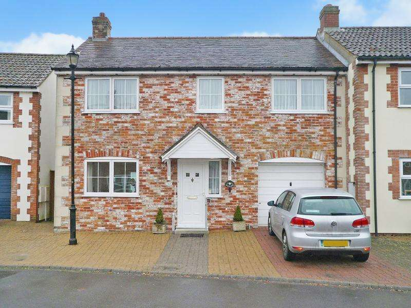 3 Bedrooms Semi Detached House for sale in 23 NEWPORT, Warminster, BA12