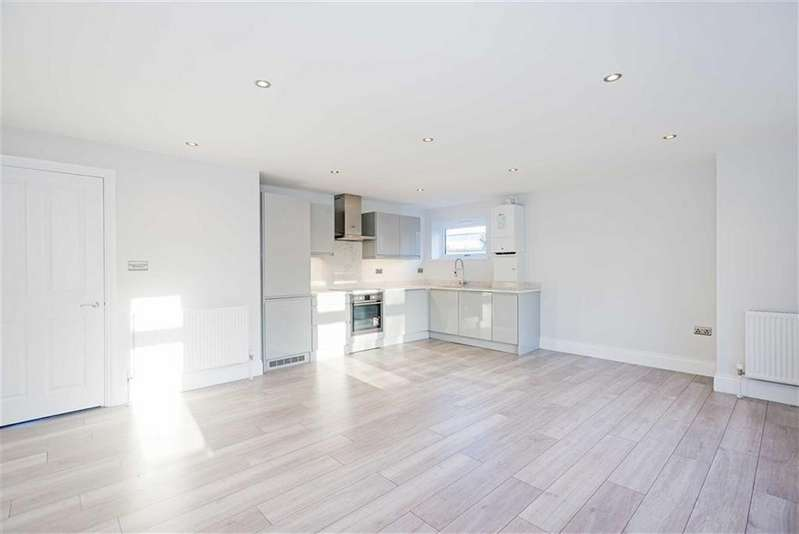 2 Bedrooms Flat for sale in Fillys Court, Epsom, Surrey