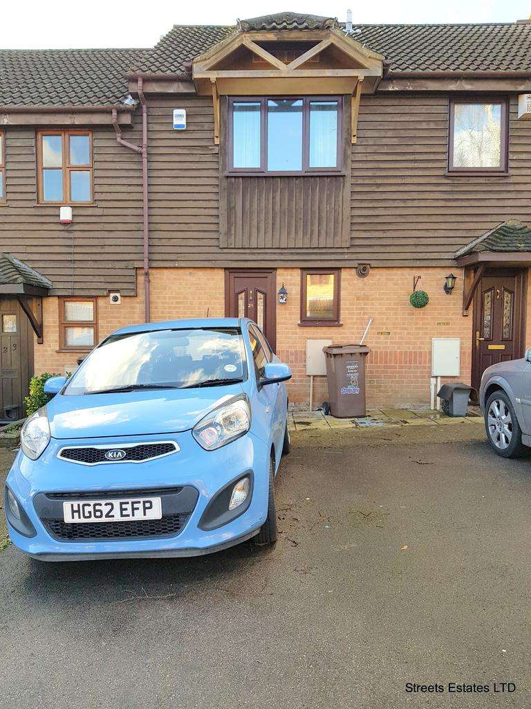 2 Bedrooms Terraced House for sale in 25 Dongola Road, rochester, kent, me2 3ax
