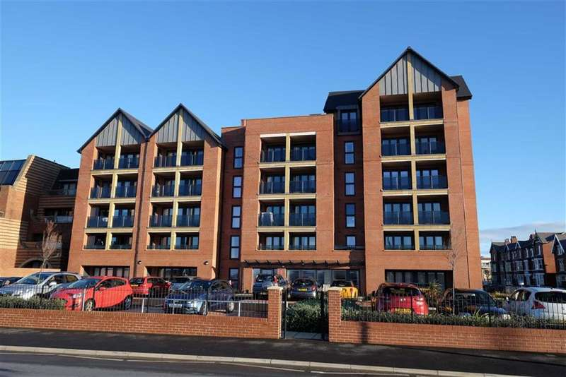 1 Bedroom Apartment Flat for sale in South Promenade, St Annes