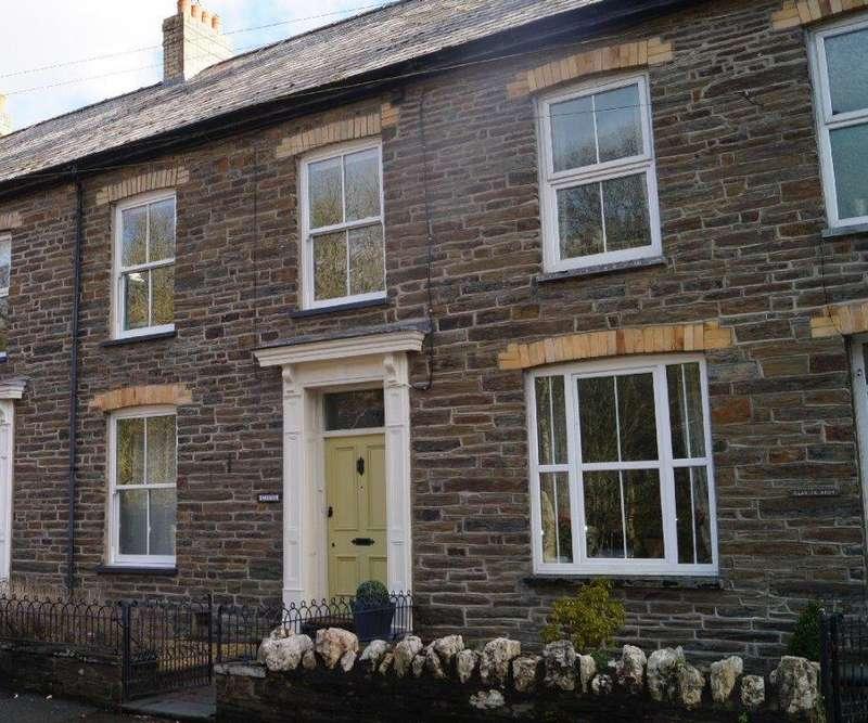 4 Bedrooms Town House for sale in Glennydd, Chapel Street, Pontwelly, Llandysul SA44