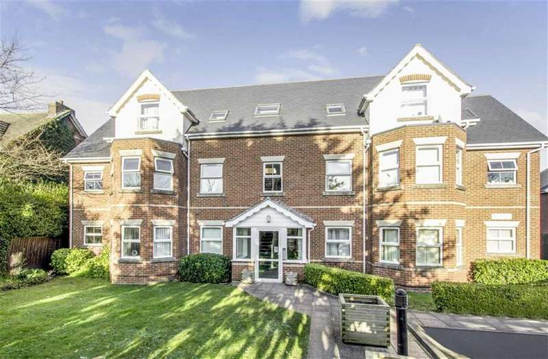 2 Bedrooms Maisonette Flat for sale in Alton Road, Bournemouth, Bournemouth, Dorset