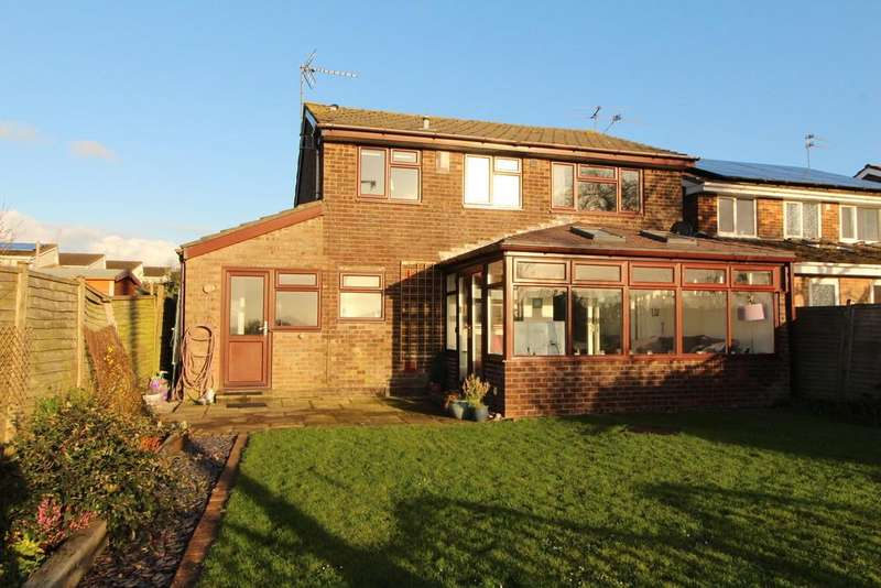 4 Bedrooms Detached House for sale in Central Yatton location