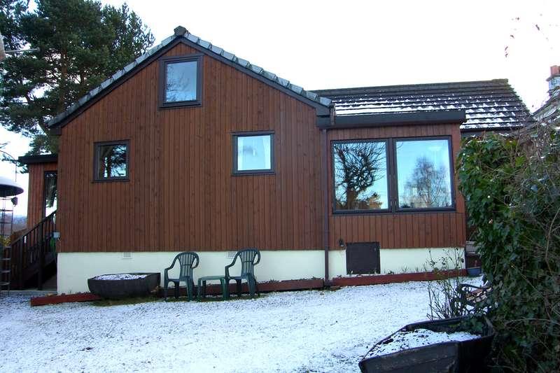3 Bedrooms Bungalow for sale in Boat of Garten, PH24 3BE