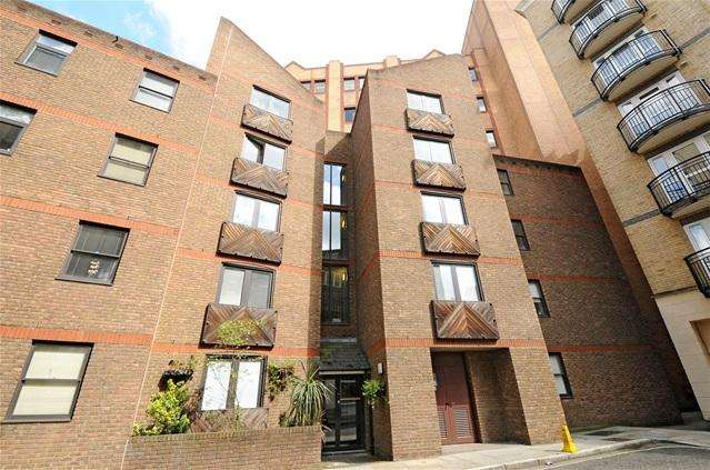 Studio Flat for sale in Aldersgate Court, 30 Bartholomew Close, London