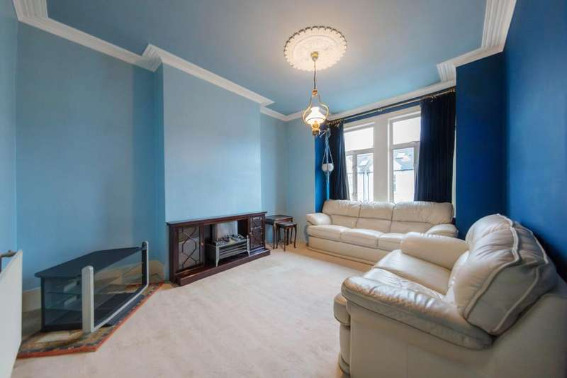 3 Bedrooms Flat for sale in Wardo Avenue, Fulham, London