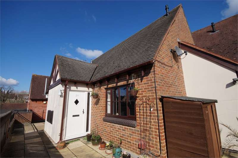 1 Bedroom Maisonette Flat for sale in Maiden Lane Centre, Lower Earley, READING, Berkshire