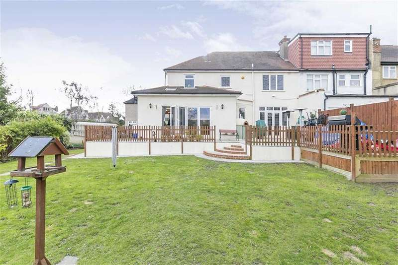 4 Bedrooms End Of Terrace House for sale in Yew Tree Gardens, Epsom, Surrey