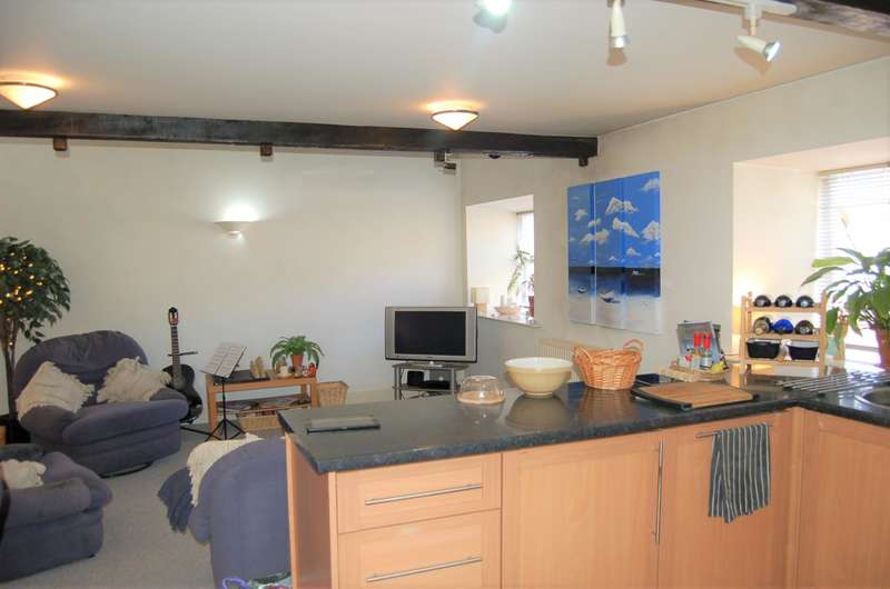 2 Bedrooms Apartment Flat for sale in Flat 5 Brier Hey Mill, Brier Hey Lane, Hebden Bridge, HX7