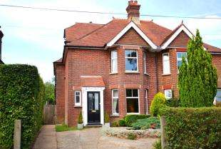 4 Bedrooms Semi Detached House for sale in Punnetts Town, Heathfield, East Sussex