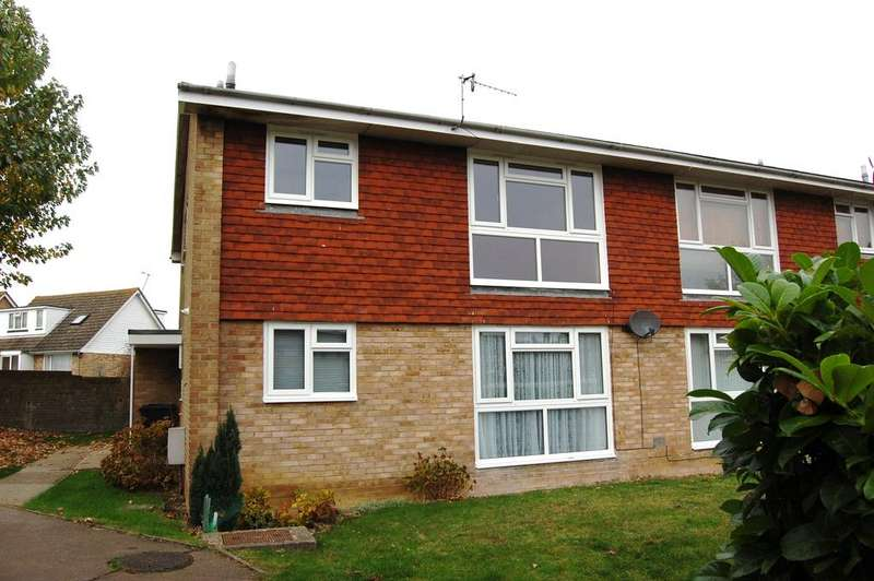 2 Bedrooms Maisonette Flat for sale in Acacia Road, Eastbourne BN22