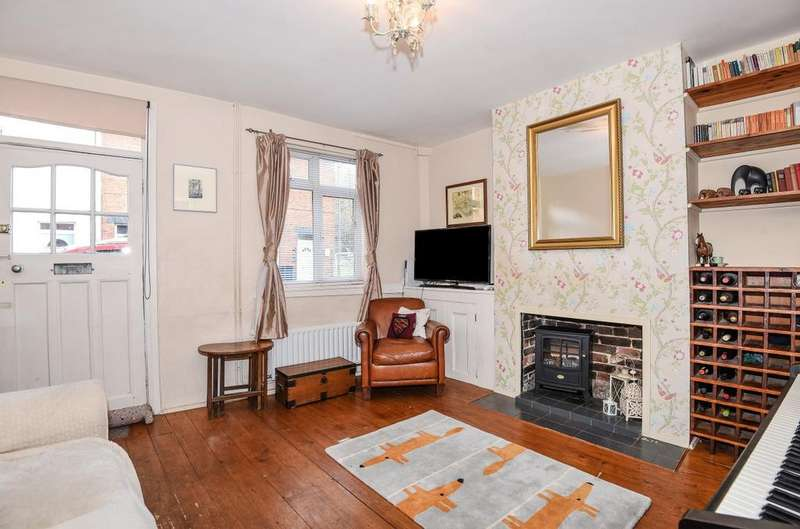 4 Bedrooms House for sale in Victoria Road, Godalming, GU7