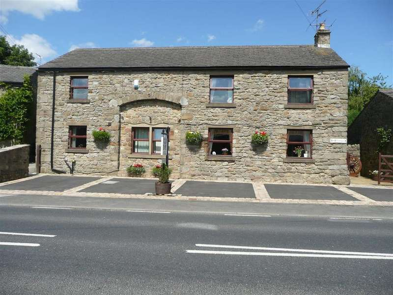 5 Bedrooms House for sale in The Barn, 8 Main Street, Long Preston, Skipton