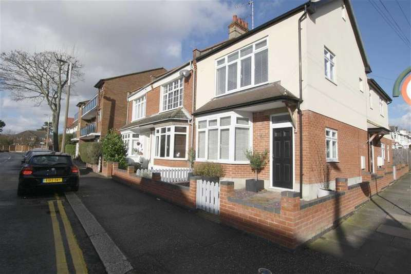 4 Bedrooms End Of Terrace House for sale in Westleigh Avenue, Leigh-On-Sea, Essex