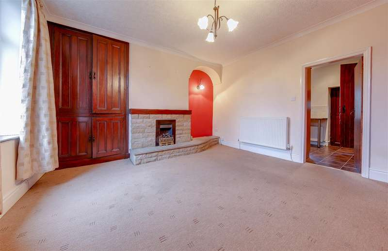 2 Bedrooms Terraced House for sale in Park Street, Barrowford, Nelson