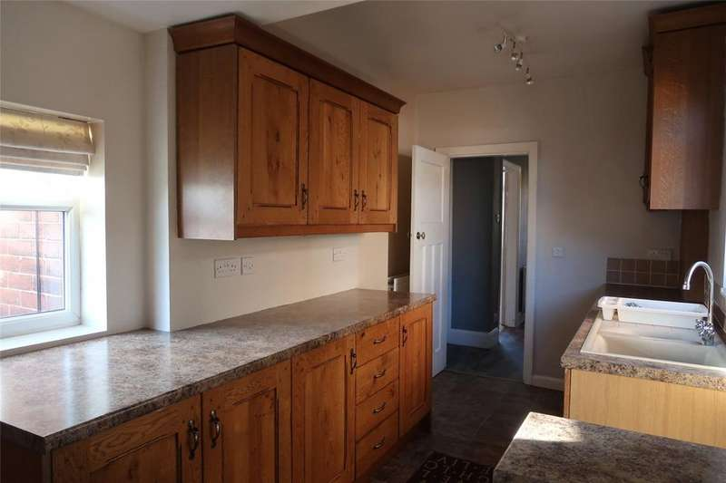 3 Bedrooms Semi Detached House for rent in Scunthorpe, Lincolnshire
