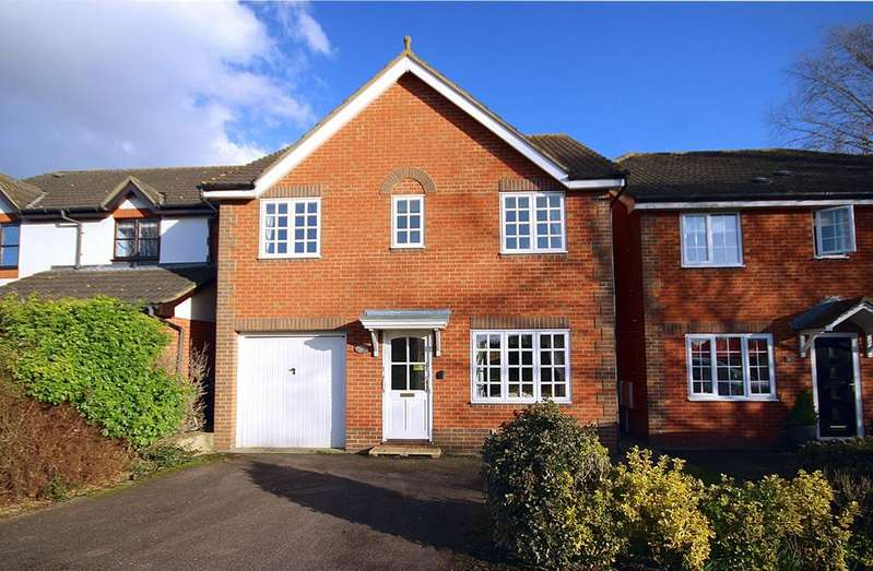 4 Bedrooms Detached House for sale in Heron Way, Stotfold, SG5